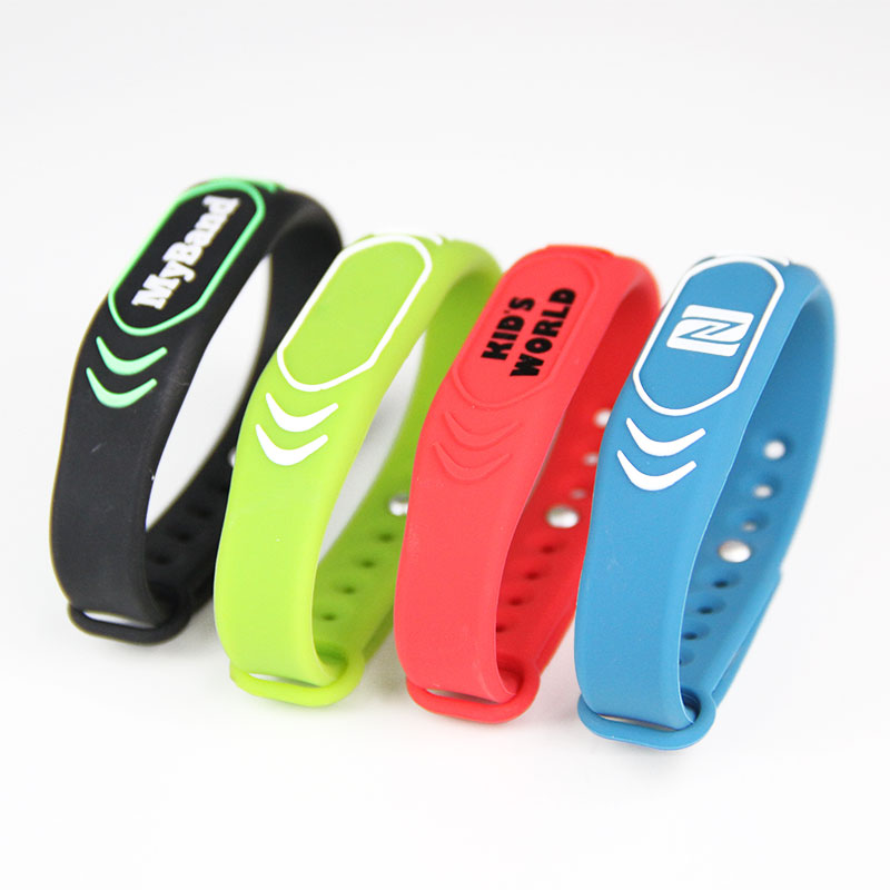 Multi Color Adjustable Type Silicone Wristband RFID Tag For GYM